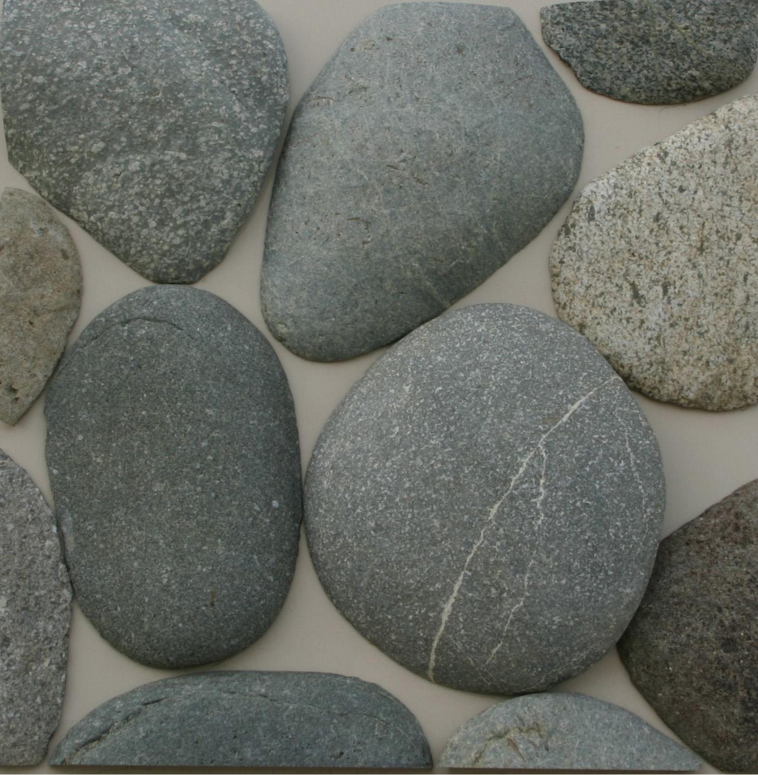Речной валун неокантованный односторонней обработки - добыча и продажа природного камня