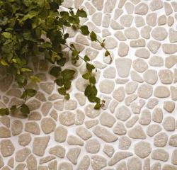 Облицовка ванной натуральным камнем серый известняк